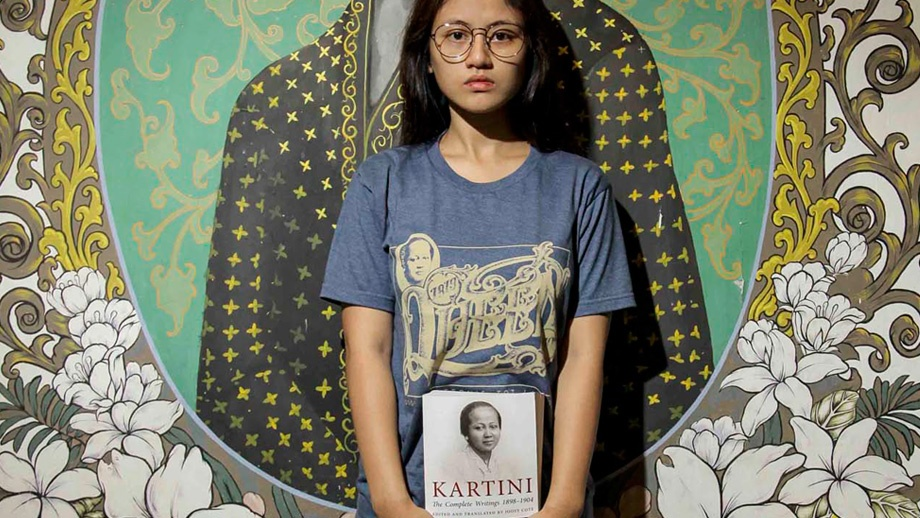 Oleh-oleh-kaos-Surat-Kartini-Qimo-Souvenir-Jepara-Indonesia