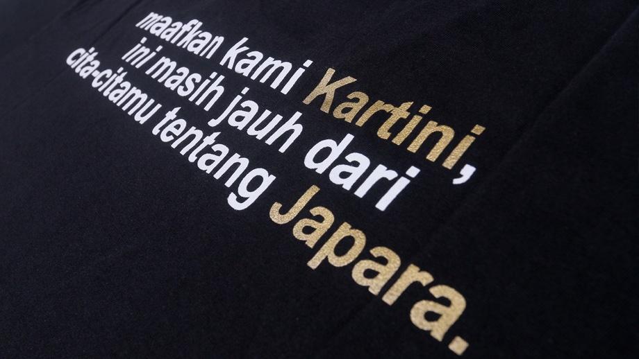 Souvenir-Signature-Kaos-Sejarah-Kartini-QimoJapara-Jepara-Indonesia