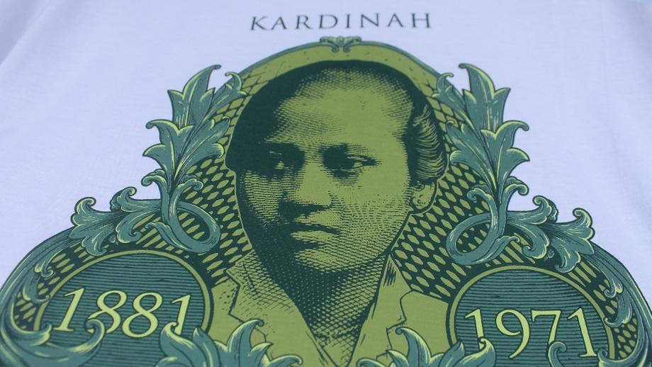 Souvenir-oleh-oleh-kaos-qimoJapara-Sejarah-Kardinah-Het-Klaverblad-van-Jepara-Indonesia